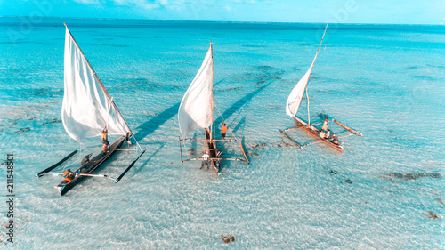La pose en embrasure Zanzibar fishermen's dhow in stone town, Zanzibar