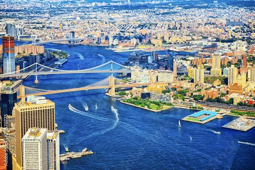 Spoed Foto op Canvas Verenigde Staten Suspended Brooklyn Bridge across the East River. New York.
