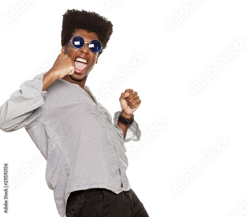 Papiers peints Echelle de hauteur young handsome afro american guy stylish hipster shouting happy isolated on white background. people emotions concept