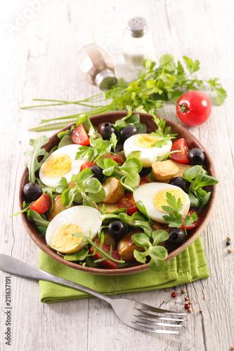 Papiers peints Singapoure vegetable salad with egg