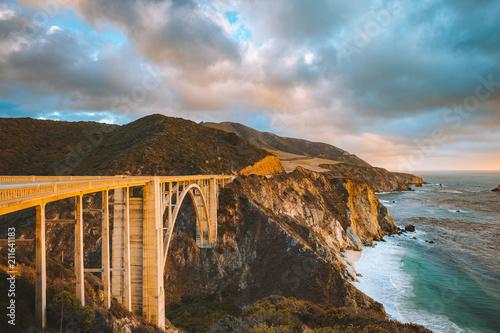 Spoed Foto op Canvas Verenigde Staten Bixby Bridge with Highway 1 at sunset, Big Sur, California, USA