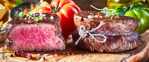 Aluminium Prints Steakhouse Juicy medium rare fillet steak mignon