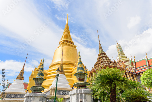 Keuken foto achterwand Bangkok Golden Pagoda in Wat Phra Kaew / Wat Phra Kaew Public Temple Landmark in Thailand