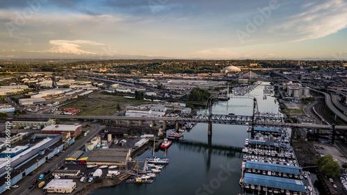 Fotografía Aerial View Thea Foss Waterway Tacoma Washington Mt Rainier Visible