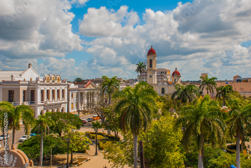 Obraz na płótnie CIENFUEGOS, CUBA: The view from the top of the Cathedral of Immaculate Conception, located on Marti square in the center of the Cuban city