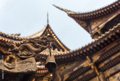 Foto op Plexiglas Bedehuis Traditional chinese architecture details in BaoLunSi temple Chongqing, China