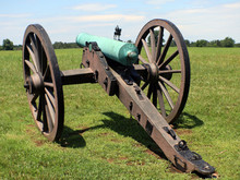 Civil War Cannon With Mounment...