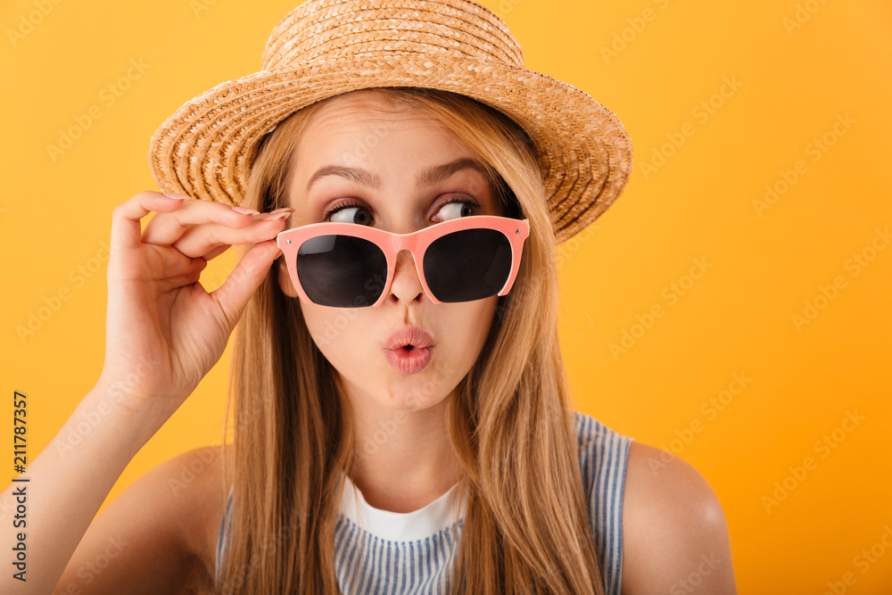 Fototapeta Close up portrait of a pretty young blonde woman