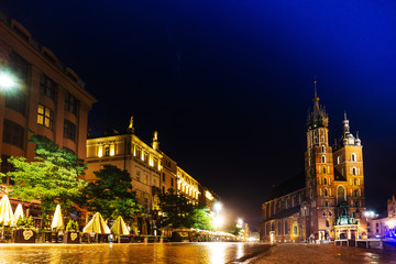 Fototapeta na wymiar KRAKOW, POLAND - August 27, 2017: The Cloth Hall Krakow,listed as a UNESCO World Heritage Site since 1978, Poland