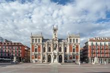 The Plaza Mayor Y Fachada Del ...