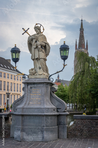 In de dag Brugge Statue des Hl. Johannes von Nepomuk, Brügge