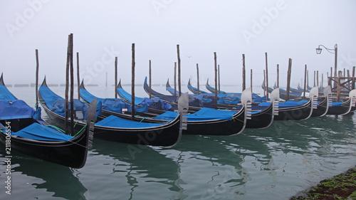 Foto op Canvas Gondolas Gondolas