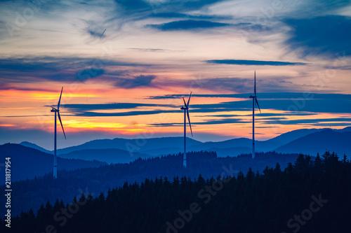 Plakát  Windkraftanlage nach Sonnenuntergang