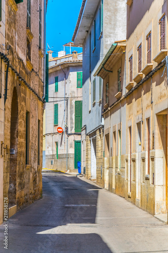 Fototapety, obrazy: View of a narrow street in the old town of Pollenca, Mallorca, Spain