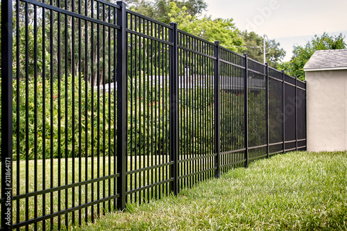 Black Aluminum Fence 4 Rails Fototapet