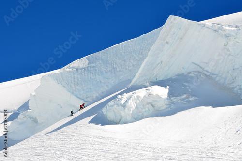 Foto op Plexiglas Alpinisme Seracco con alpinisti sul Monte Rosa (verso Capanna Margherita)