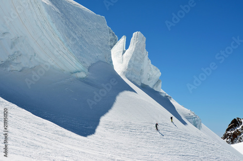 Obraz na plátne  Seracco con alpinisti sul Monte Rosa (verso Capanna Margherita)