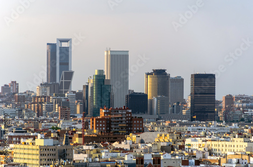 Foto  Madrid skyline and skyscrapers in business and financial district
