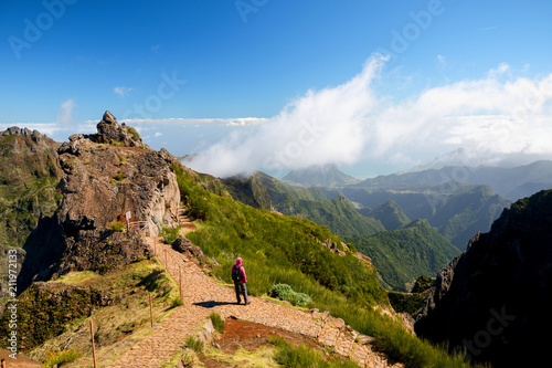 Fotografie, Obraz  Woman alone looking at valley and mountains in sunny weather, Ninho da Manta, Pi