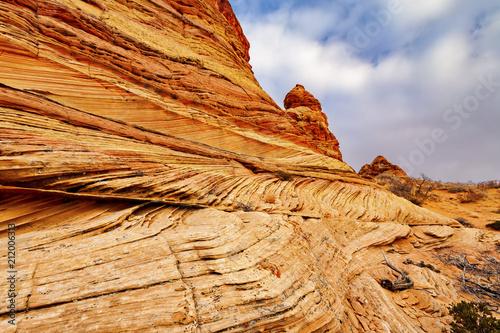 Valokuva  Rock Color Striations & Cracks