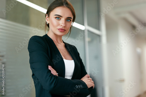 Staande foto Wanddecoratie met eigen foto Beautiful Business Woman In Office Portrait