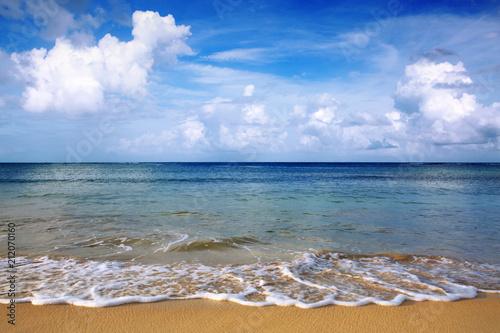 Tuinposter Centraal-Amerika Landen Caribbean sea and blue clouds sky.