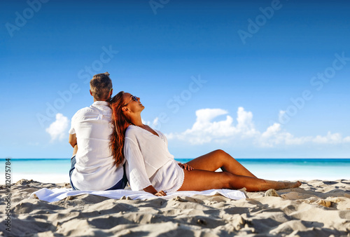 Staande foto Wanddecoratie met eigen foto Summer trip on beach and two blue sea with sky.