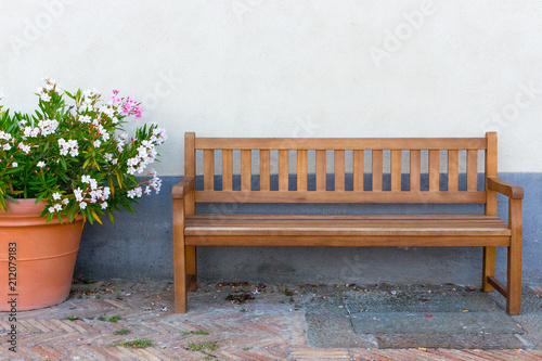 Sensational Big Clay Pot With White And Pink Flowers And Wooden Bench Caraccident5 Cool Chair Designs And Ideas Caraccident5Info