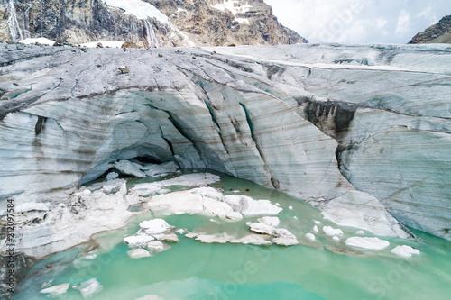 Fototapeta Alta Valmalenco (IT) - Vista aerea del ghiacciaio di Fellaria - luglio 2018