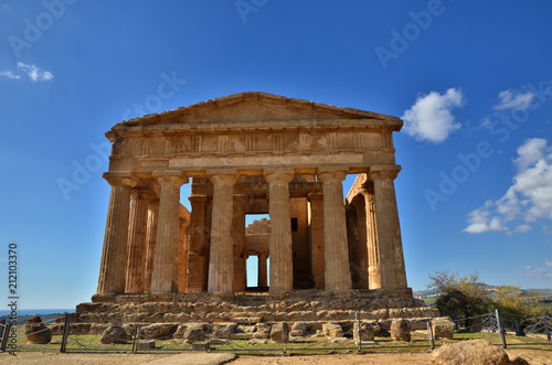 Foto op Plexiglas Bedehuis The Valley of the Temples is an archaeological site in Agrigento, Sicily, Italy.