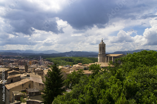 Deurstickers Oude gebouw Landscape of the city of Girona from the hill