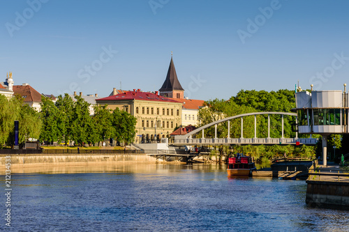 Staande foto Singapore Cityscape of Tartu. The historical city center and the Emajogi river in a sunny day, Estonia