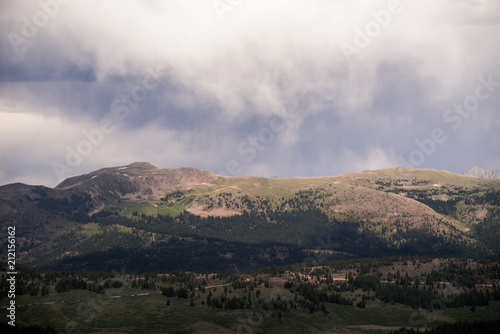 Spoed Foto op Canvas Grijze traf. A scenic, landscape view of many mountains with clouds above in Colorado.
