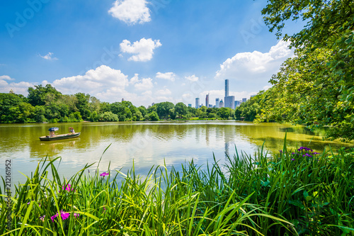 Tableau sur Toile The Lake, at Central Park in Manhattan, New York City