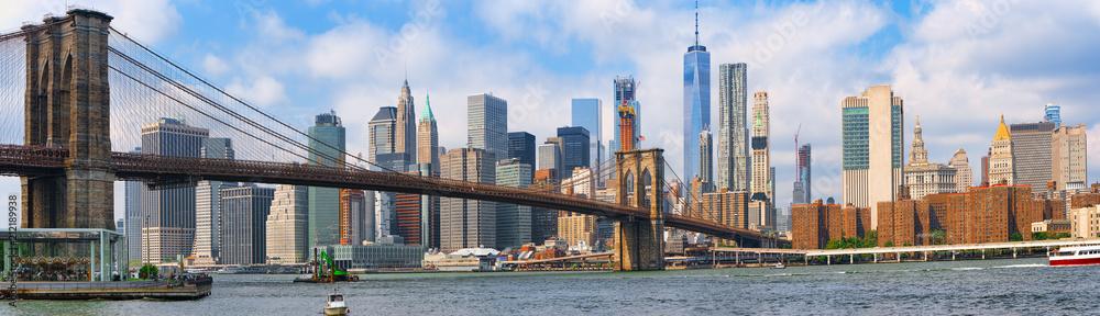 Fototapeta Suspension Brooklyn Bridge across Lower Manhattan and Brooklyn. New York, USA.