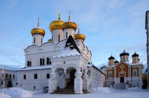 Foto op Plexiglas Kiev KOSTROMA, RUSSIA - February, 2018: Ipatyevsky Monastery in winter day