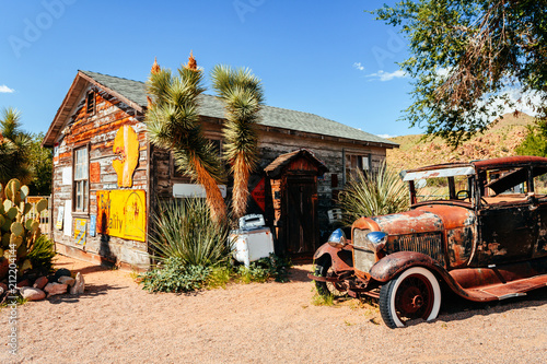 abandoned retro car in Route 66 gas station, Arizona, Usa Canvas Print