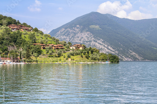 Foto op Aluminium Meer / Vijver Little town on the lake Como, Italy