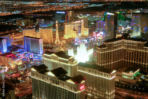 Poster de jardin Las Vegas Las Vegas Strip Casinos at night from the helicopter. Night lights of Nevada, USA