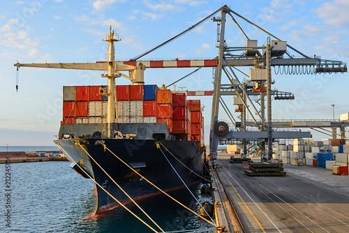 Obraz na płótnie Container ship moored at port