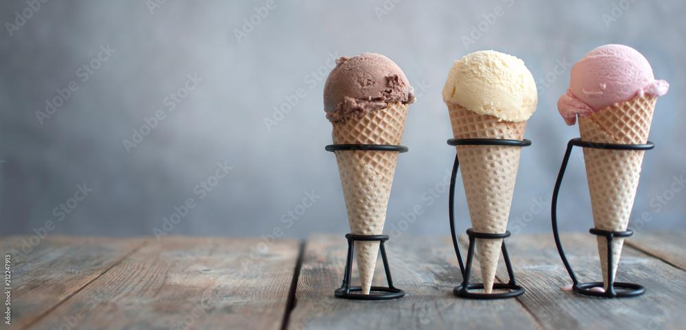 Fototapety, obrazy: Ice cream cones