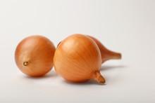 Fresh Ripe Onion Bulbs On Ligh...