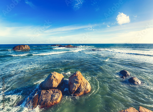 krajobraz-oceanu-indyjskiego-piekny-widok-na-morze