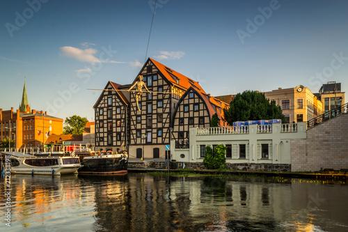 Zabytkowe stare miasto w mieście Bydgoszcz, Polska - fototapety na wymiar