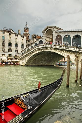 Stickers pour porte Venise Rialto Bridge in Venice. Region Veneto. Italy