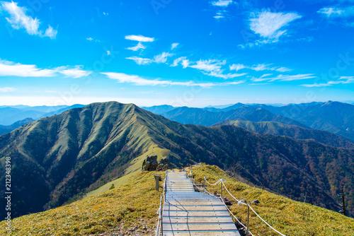 写真素材:剣山からの眺め、剣山、次郎笈、嶺、山岳、四国 Wallpaper Mural