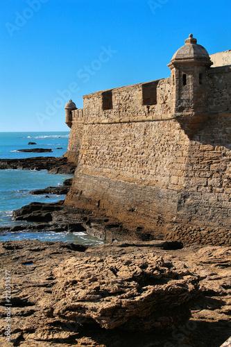 Foto op Plexiglas Vestingwerk Kastell San Sebastian in Cadiz