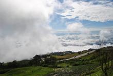 Phu Tub Berk Cloud And Rain Co...