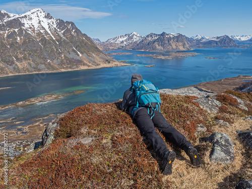 In de dag Noord Europa Contemplation : rando panoramique dans les îles Lofoten