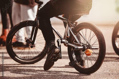 Fotografia Close-up view of rear bmx bike for tricks, teenager rides.